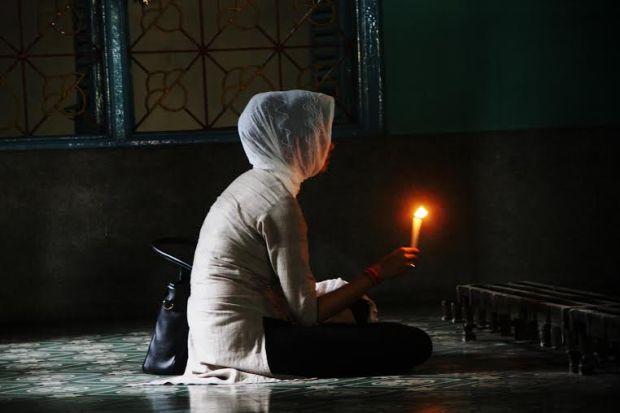 Light and Fragrance at Dada Pir Saheb Mazar