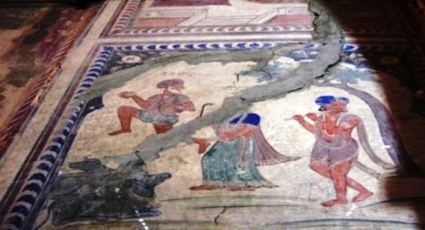 Photo 2: Fresco of Heer and Ranjha at Pothimala