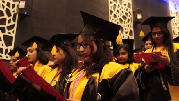 'MEDASTOMOSIS'; NBMC CONVOCATION, 2018 Medicos taking oath